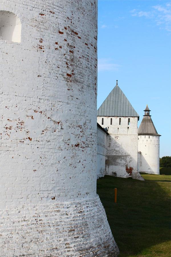 Стены Свято-Троицкого Макарьево Желтоводского монастыря
